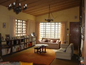 Casa En Venta En San Antonio De Los Altos, El Amarillo, Venezuela, VE RAH: 17-1864