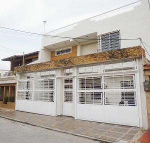 Casa En Ventaen Turmero, La Mantuana, Venezuela, VE RAH: 16-10014