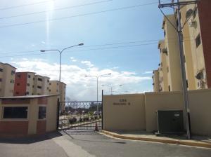 Apartamento En Venta En Municipio Los Guayos, Paraparal, Venezuela, VE RAH: 17-1919