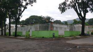 Casa En Venta En Valencia, Trigal Centro, Venezuela, VE RAH: 17-1867