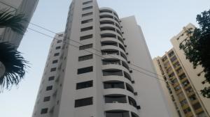 Apartamento En Venta En Valencia, Las Chimeneas, Venezuela, VE RAH: 17-1873