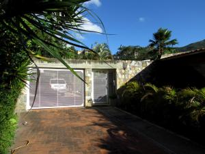 Casa En Venta En Caracas, Las Esmeraldas, Venezuela, VE RAH: 17-1876