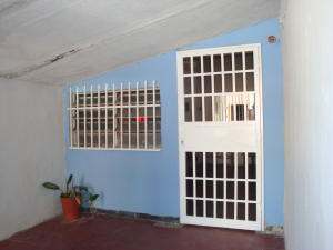 Casa En Ventaen Maracay, Los Samanes, Venezuela, VE RAH: 17-1877