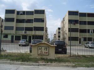 Apartamento En Venta En Municipio Los Guayos, Buenaventura, Venezuela, VE RAH: 17-1988