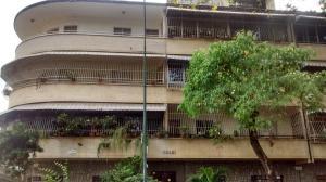 Apartamento En Venta En Caracas, Los Chaguaramos, Venezuela, VE RAH: 17-1887