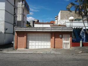 Casa En Venta En Caracas, Los Dos Caminos, Venezuela, VE RAH: 17-2835