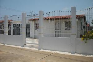 Casa En Venta En Ciudad Ojeda, Nueva Venezuela, Venezuela, VE RAH: 17-1909