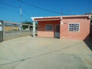Casa En Venta En Cabimas, Zulia, Venezuela, VE RAH: 17-1920