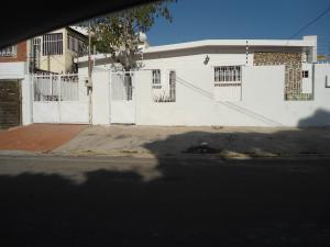 Casa En Alquiler En Maracaibo, Tierra Negra, Venezuela, VE RAH: 17-1912