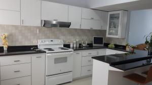 Apartamento En Venta En Maracaibo, Calle 72, Venezuela, VE RAH: 17-1924