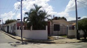 Casa En Venta En Municipio San Diego, Morro I, Venezuela, VE RAH: 15-5739