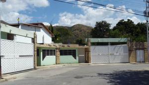 Townhouse En Venta En Maracay, El Limon, Venezuela, VE RAH: 17-2003