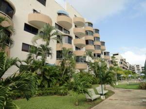 Apartamento En Venta En Higuerote, Agua Sal, Venezuela, VE RAH: 17-1950