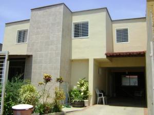 Townhouse En Ventaen Maracay, Villas Ingenio I, Venezuela, VE RAH: 17-1956
