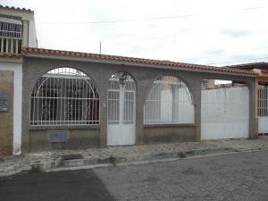 Casa En Venta En Municipio San Diego, Valle Verde, Venezuela, VE RAH: 17-1985