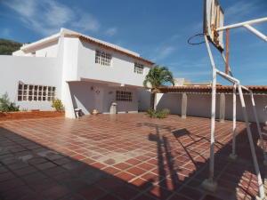 Casa En Venta En Punto Fijo, Puerta Maraven, Venezuela, VE RAH: 17-1991