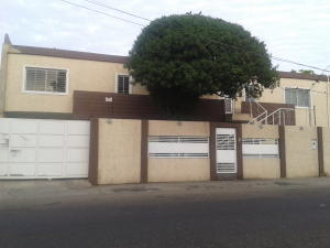 Oficina En Alquiler En Maracaibo, Pueblo Nuevo, Venezuela, VE RAH: 17-1997