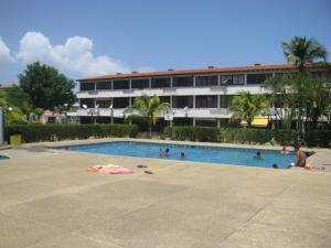Apartamento En Venta En Higuerote, Ciudad Balneario Higuerote, Venezuela, VE RAH: 17-2010