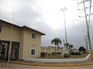 Casa En Venta En El Tigre, Sector Avenida Jesus Subero, Venezuela, VE RAH: 17-2027