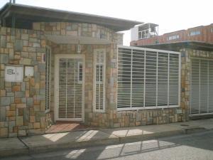 Casa En Venta En Maracay, Las Aves, Venezuela, VE RAH: 17-2021