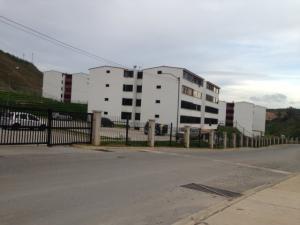 Apartamento En Venta En Los Teques, Parque Residencial La Quinta, Venezuela, VE RAH: 17-2078