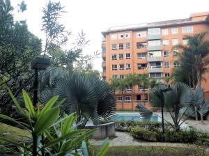 Apartamento En Venta En Caracas, Lomas Del Sol, Venezuela, VE RAH: 17-2057
