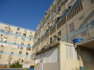Apartamento En Venta En Maracaibo, Circunvalacion Dos, Venezuela, VE RAH: 17-2067