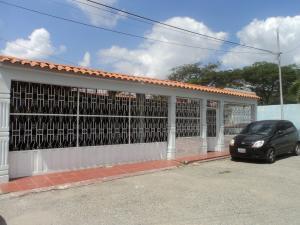 Casa En Venta En Cabudare, El Recreo, Venezuela, VE RAH: 17-2559