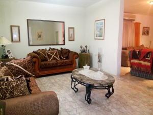 Casa En Venta En Cabimas, Delicias Vieja, Venezuela, VE RAH: 17-5033