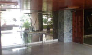 Apartamento En Venta En Caracas - Alto Prado Código FLEX: 17-2183 No.16