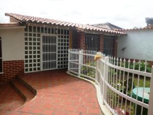 Casa En Venta En Cua, Santa Rosa, Venezuela, VE RAH: 17-2118