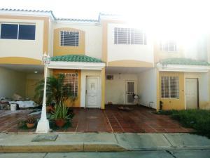 Townhouse En Venta En Cabimas, Las 40, Venezuela, VE RAH: 17-2140