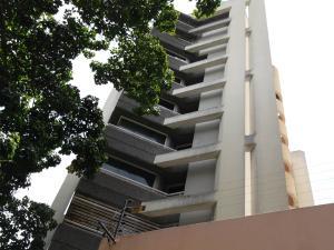 Apartamento En Alquiler En Caracas, La Campiña, Venezuela, VE RAH: 17-2154
