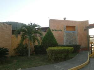 Townhouse En Venta En Guatire, Villa Del Este, Venezuela, VE RAH: 17-2192