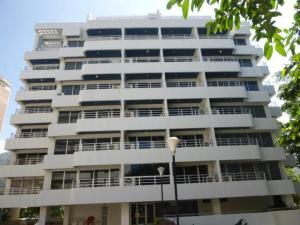 Apartamento En Venta En Parroquia Naiguata, Camuri Grande, Venezuela, VE RAH: 17-2198
