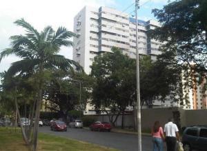 Apartamento En Venta En Maracay, Base Aragua, Venezuela, VE RAH: 17-2200