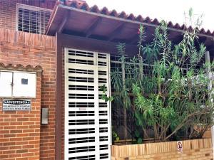 Townhouse En Venta En Caracas, Loma Linda, Venezuela, VE RAH: 17-2218