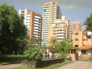 Apartamento En Venta En Valencia, Los Mangos, Venezuela, VE RAH: 17-2241