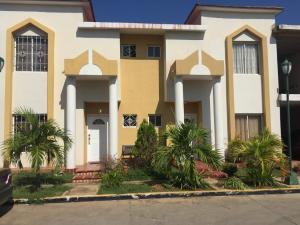 Townhouse En Ventaen Ciudad Ojeda, Bermudez, Venezuela, VE RAH: 17-2252