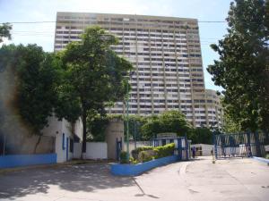 Apartamento En Venta En Parroquia Caraballeda, Los Corales, Venezuela, VE RAH: 17-2260