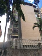 Apartamento En Venta En Caracas, Las Palmas, Venezuela, VE RAH: 17-2270