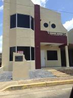Townhouse En Venta En Ciudad Bolivar, Av La Paragua, Venezuela, VE RAH: 17-2325