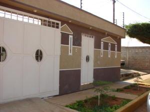 Casa En Venta En Municipio San Francisco, Los Samanes, Venezuela, VE RAH: 17-2346