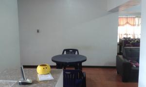 En Venta En Caracas - Parroquia La Candelaria Código FLEX: 17-2368 No.11
