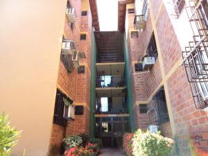 Apartamento En Venta En Municipio San Diego, Yuma, Venezuela, VE RAH: 17-2408