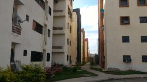 Apartamento En Venta En Municipio Los Guayos, Paraparal, Venezuela, VE RAH: 17-2401
