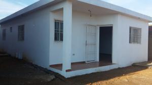 Casa En Venta En Punto Fijo, Puerta Maraven, Venezuela, VE RAH: 17-3027