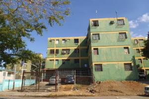 Apartamento En Venta En Valencia, El Cañaveral, Venezuela, VE RAH: 17-2440
