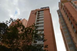 Apartamento En Venta En Valencia, El Bosque, Venezuela, VE RAH: 17-2442