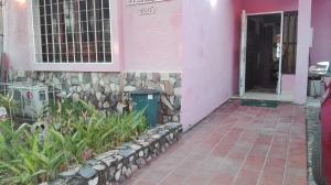 Casa En Venta En Valencia, Trigal Sur, Venezuela, VE RAH: 16-12039